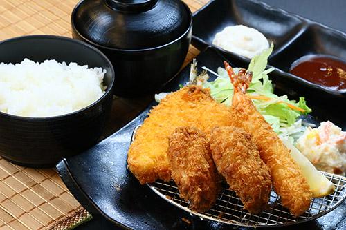 魚介ミックスフライ定食