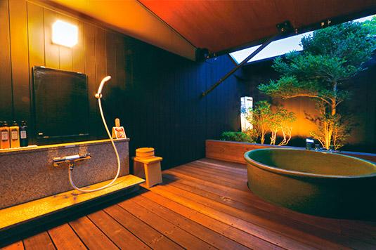 15畳和室:露天風呂